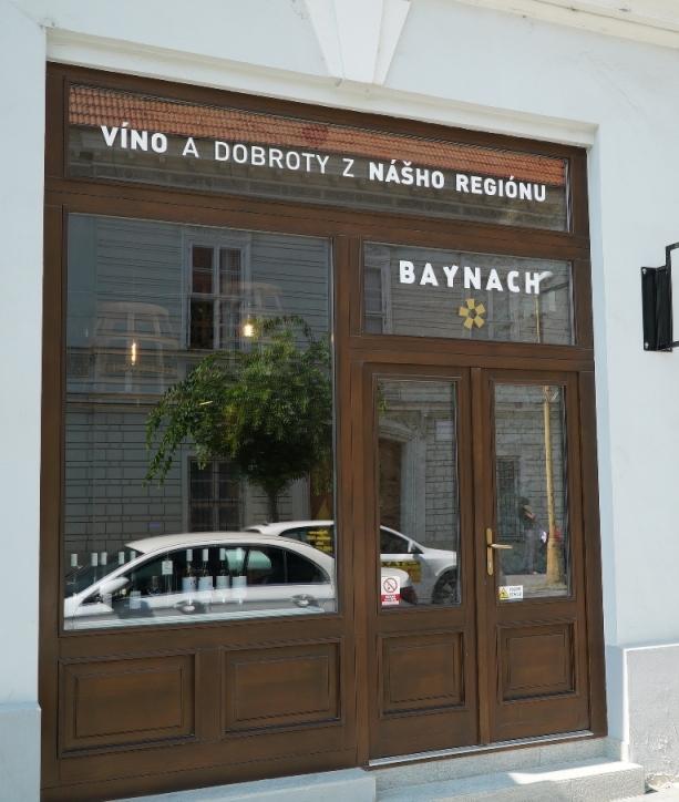 5cb0b489540f Vinotéka BAYNACH Trnava Foto z vonku Vinársky obchod BAYNACH